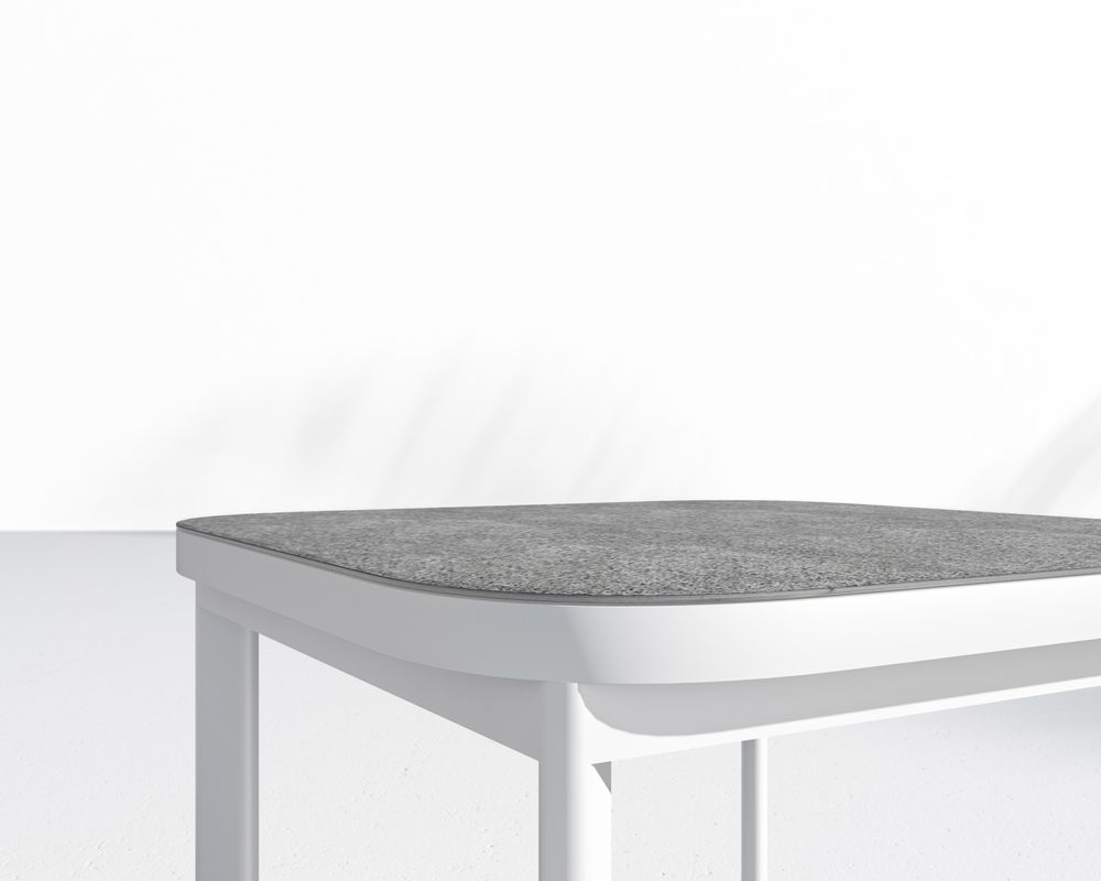 Maja Side Table