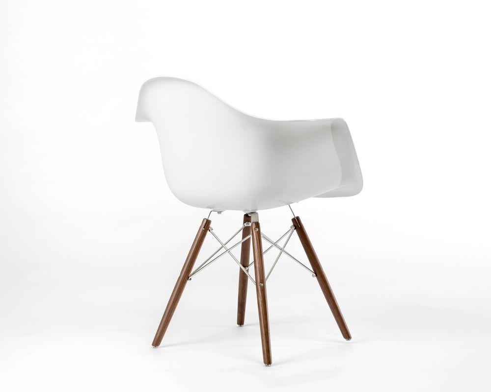 DAW Chair - Fiberglass