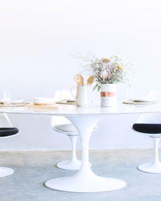 Tulip Table Oval - Calacatta